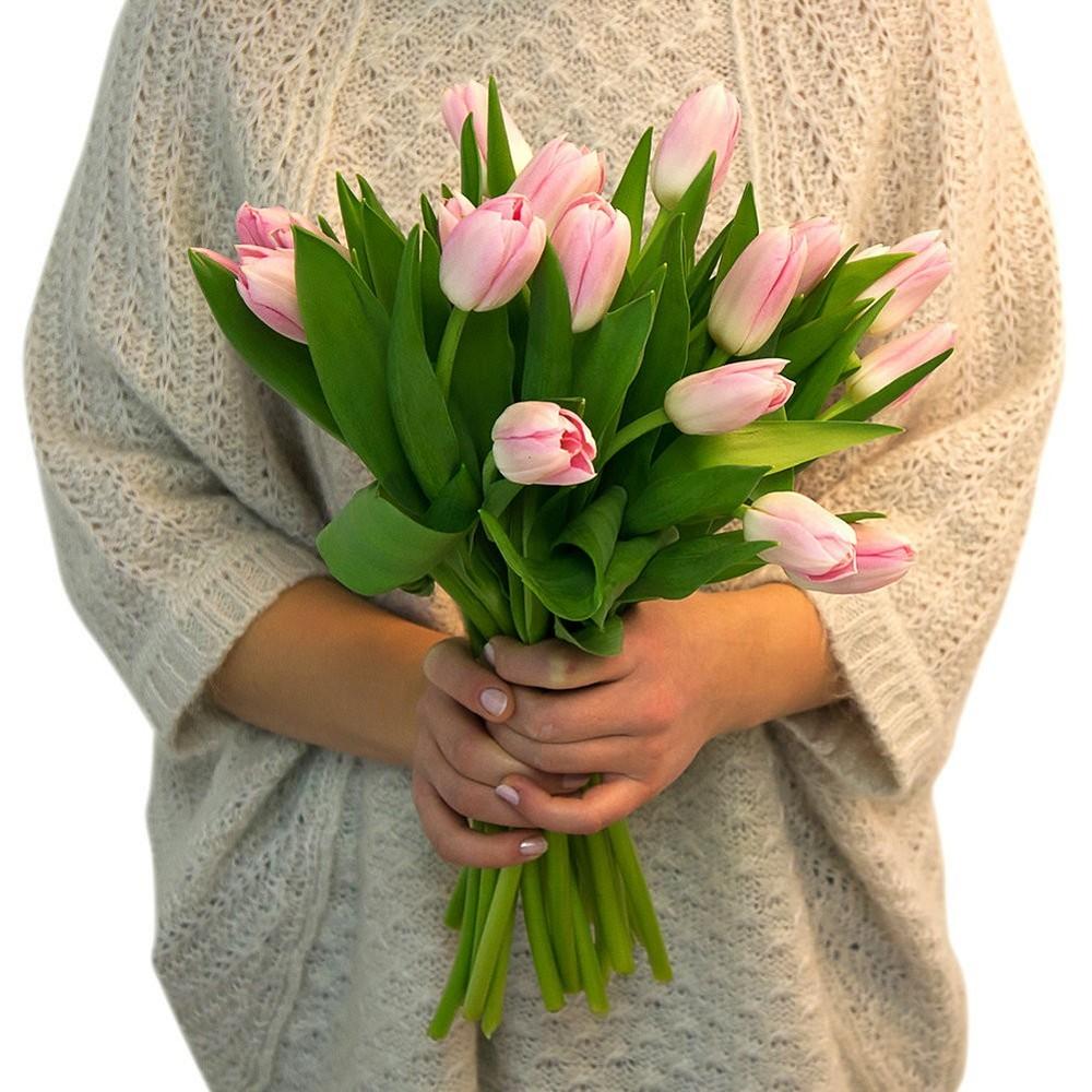 Цветы в руках картинки букеты