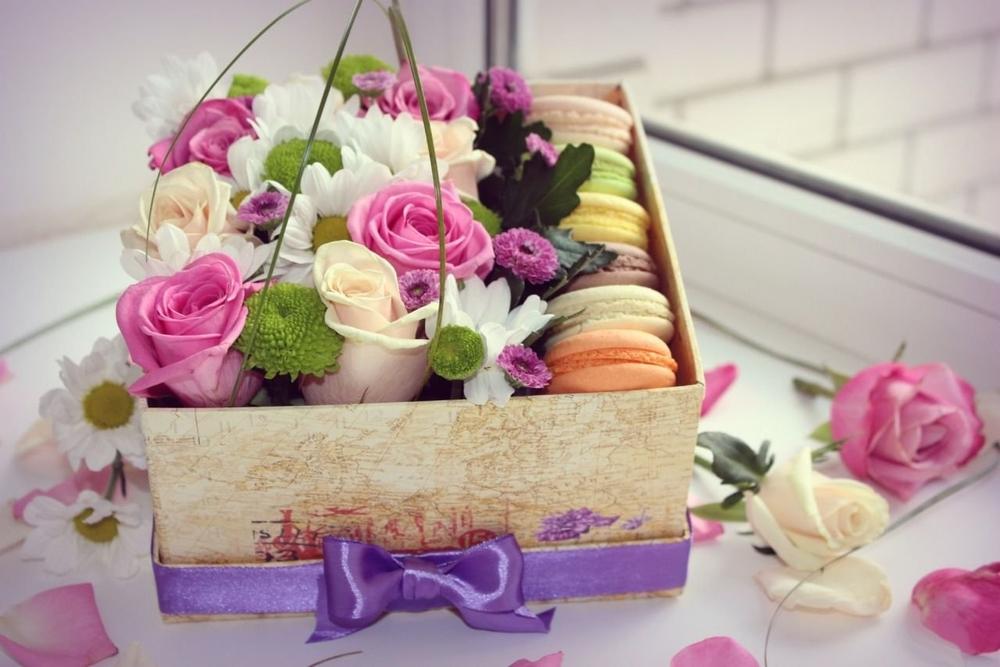 Открытка коробка с цветами, как отправить